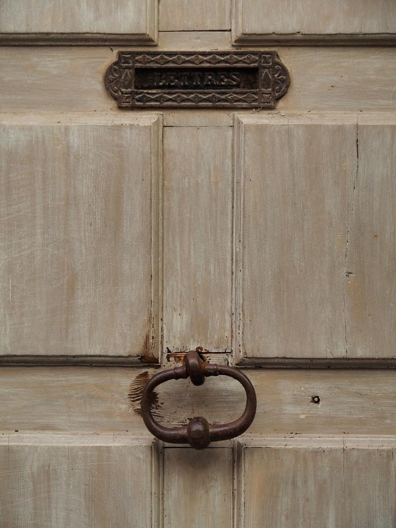 Heurtoirs - Marteaux de portes P4016010