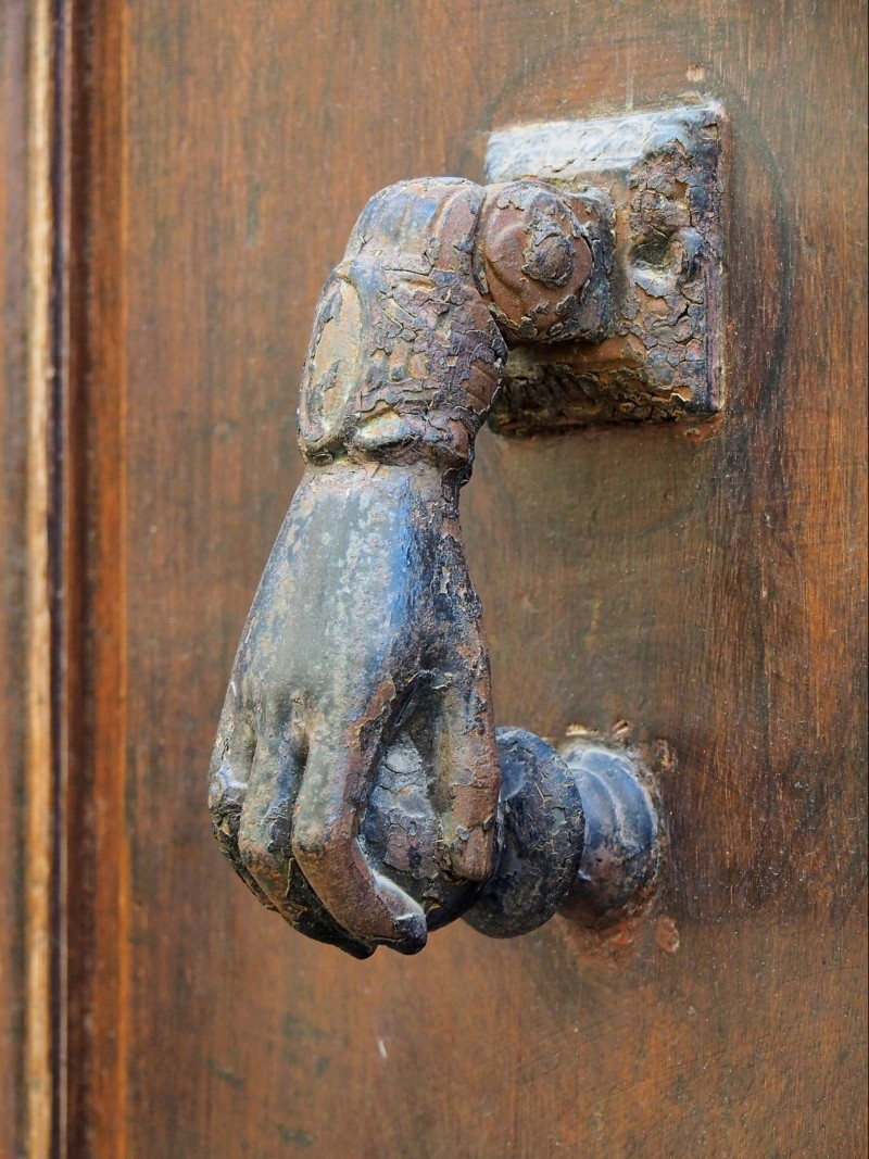 Heurtoirs - Marteaux de portes P4016011