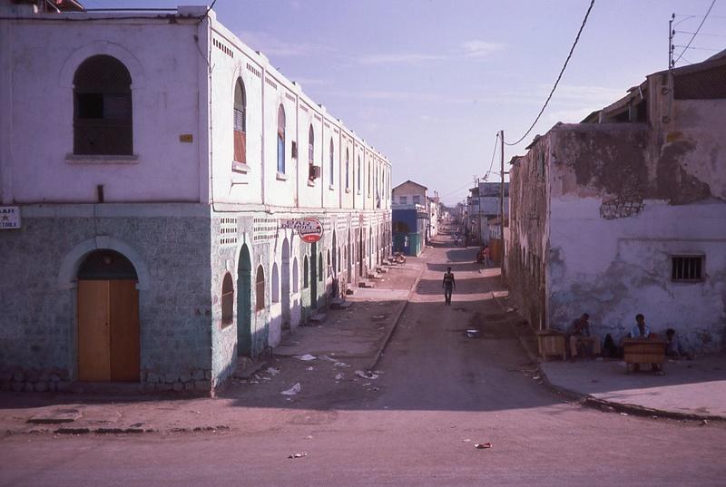 DJIBOUTI - LES BARS - Page 15 Img11910