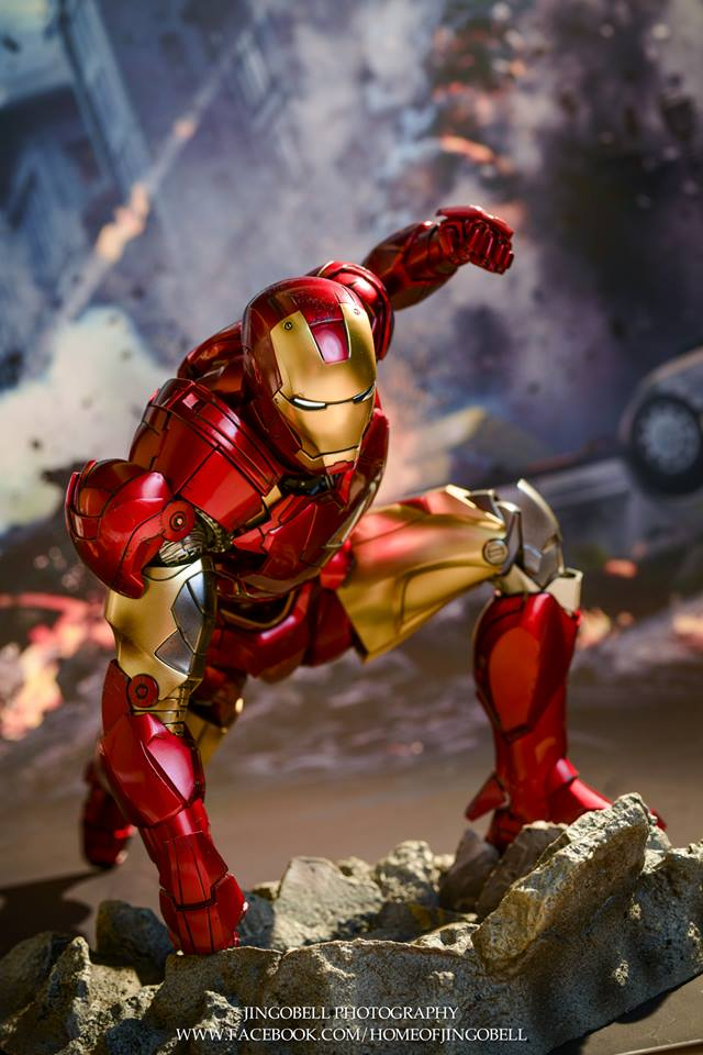 AVENGERS - IRON MAN MARK VI (MMS385DC17) 26231810