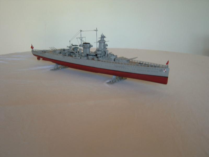 """Fil rouge 2020 : (Heller) Croiseur lourd """"Graf Spee"""" - 1/400. 2_graa10"""