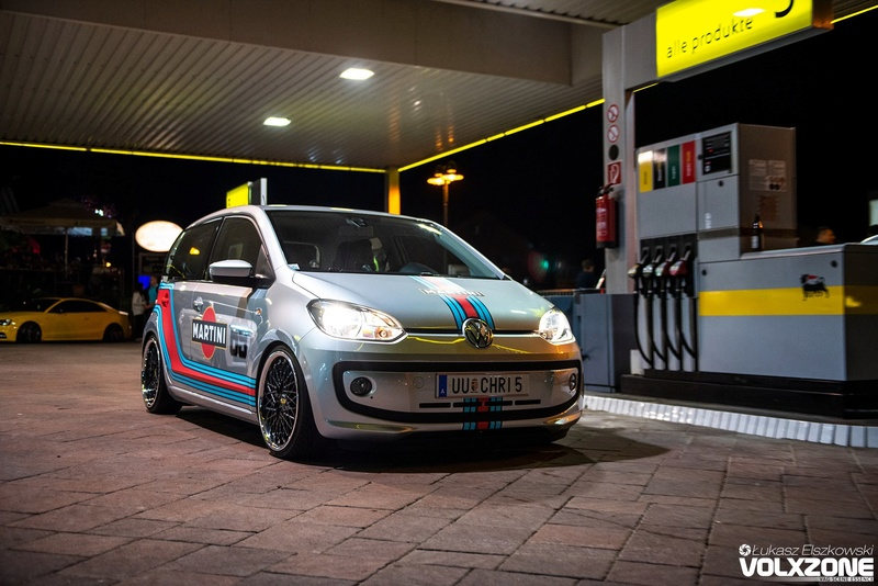 [ VW ] ... UP ... 30806010