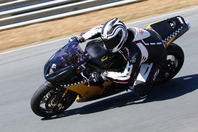 Vos plus belles photos de motos - Page 30 Img_1610