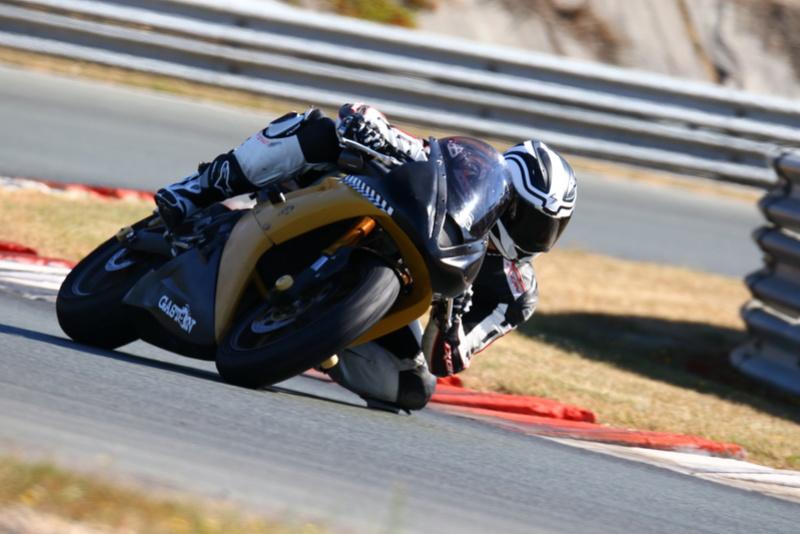 Vos plus belles photos de motos - Page 30 Img_7710