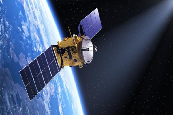 معلومات مثيرة عن الاقمار الصناعية  9562_210