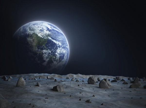 10 من اغرب اسرار القمر لم تسمع عنها من قبل  9656_110