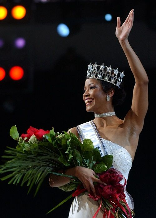 Miss USA 2002: Shauntay Hinton  from District of Columbia 091ddb10