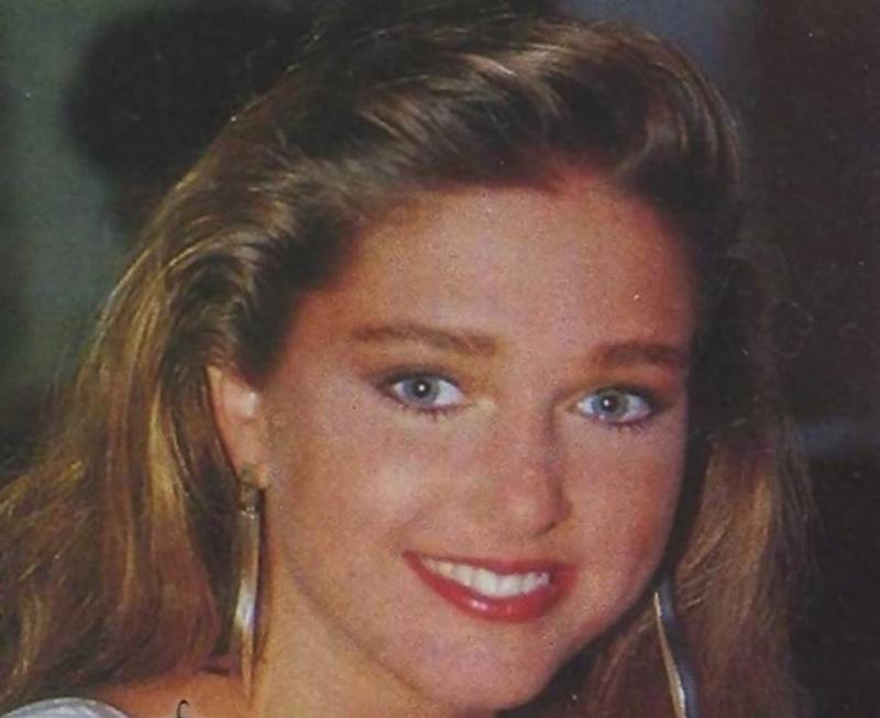 Miss Polonia 1989 - Johana Gapinska (3rd Runner Up MU89) 16640810