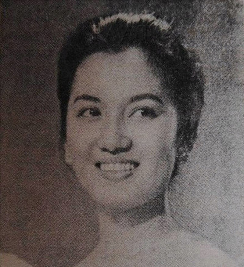 Miss Philippines Universe 1956: Isabel Escobar Rodriguez 16649210