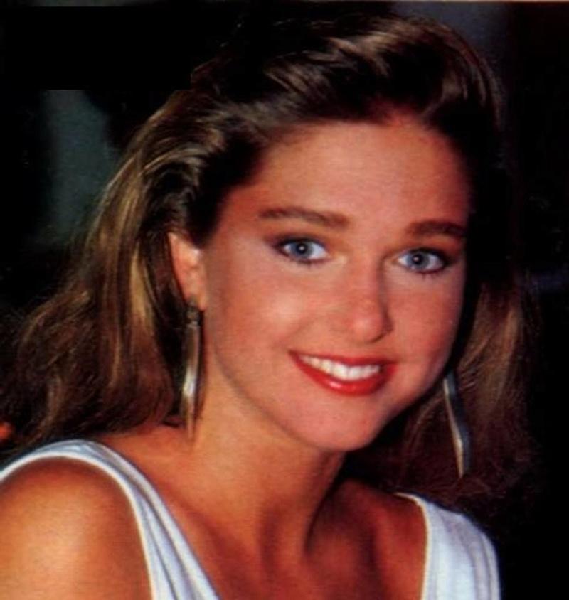 Miss Polonia 1989 - Johana Gapinska (3rd Runner Up MU89) 16708513