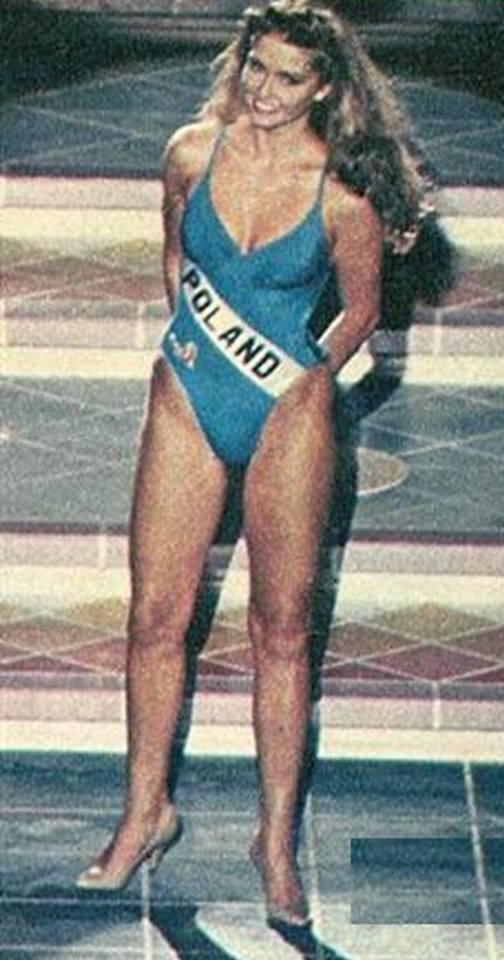 Miss Polonia 1989 - Johana Gapinska (3rd Runner Up MU89) 16708712
