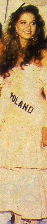 Miss Polonia 1989 - Johana Gapinska (3rd Runner Up MU89) 16708713