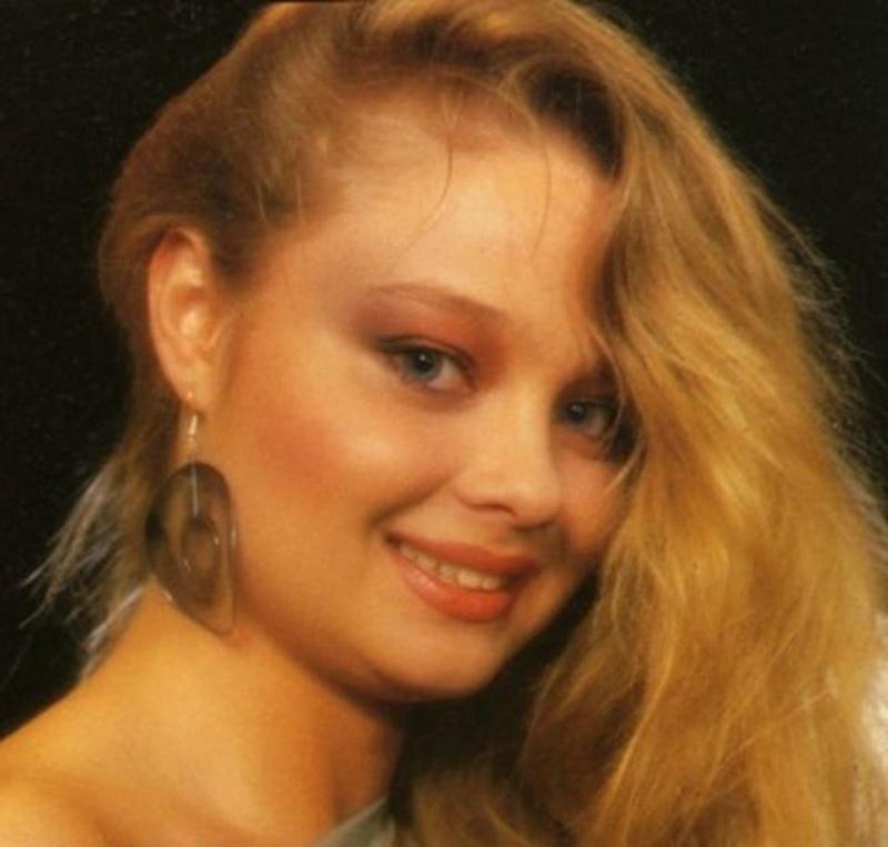 Miss Polonia 1986 - Brygida Elzbieta Bziukiewicz (3rd Runner Up MU86) 16711910