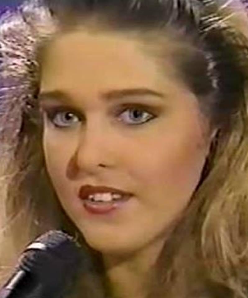 Miss Polonia 1989 - Johana Gapinska (3rd Runner Up MU89) 16729010