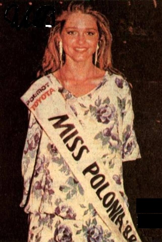 Miss Polonia 1989 - Johana Gapinska (3rd Runner Up MU89) 16729411