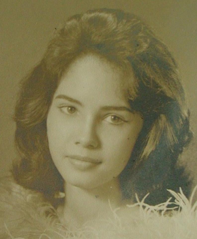 Miss Philippines Universe 1963: Lalaine Betia Bennett (MU 63' 3rd runner up) 16807611