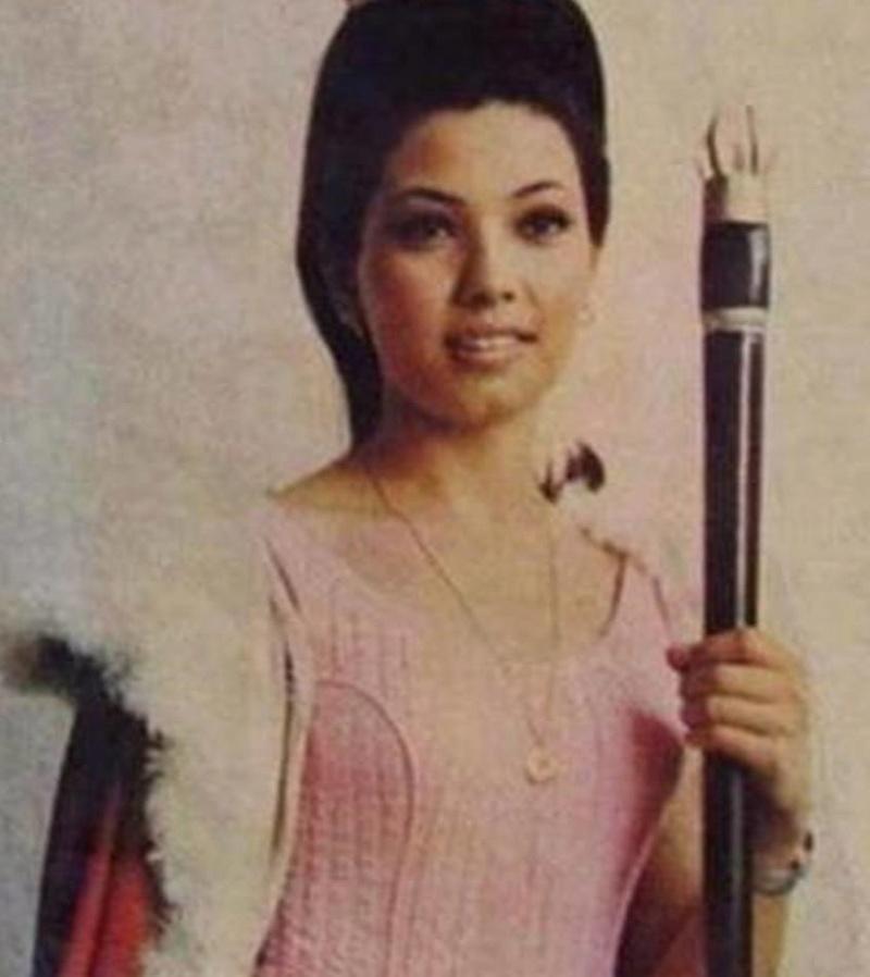 "Binibining Pilipinas Universe 1968: Rosario ""Charina"" Rosello Zaragoza 16807614"