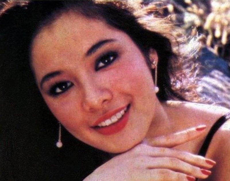 """Bb Pilipinas Universe 1975: Rosemarie """"Chiqui"""" Brosas (MU 75' 4th Runner Up) 16904810"""
