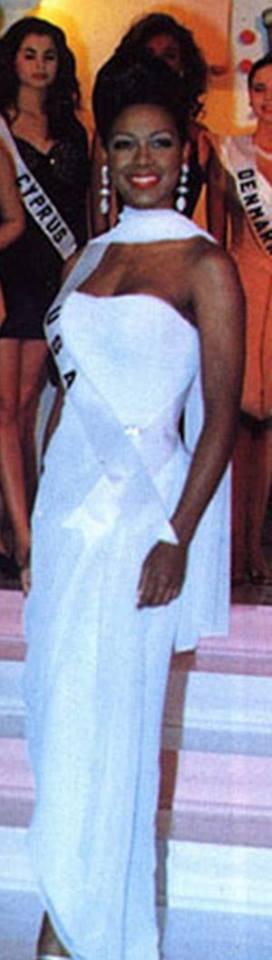 Miss USA 1993: Kenya Summer Moore (Finalist - Top 6 MU93) from Michigan 20476438