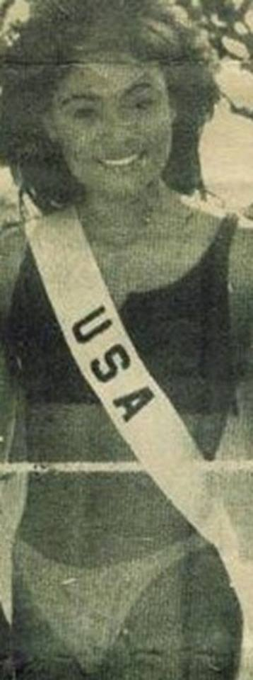 Miss U.S.A.1990 - Carol Anne Marie Gist (1st Runner Up MU90) from Michigan 20479536