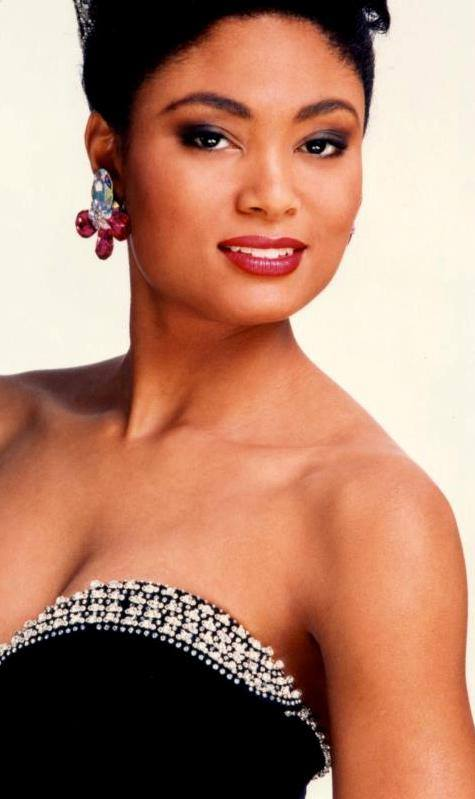 Miss U.S.A.1990 - Carol Anne Marie Gist (1st Runner Up MU90) from Michigan 20480016