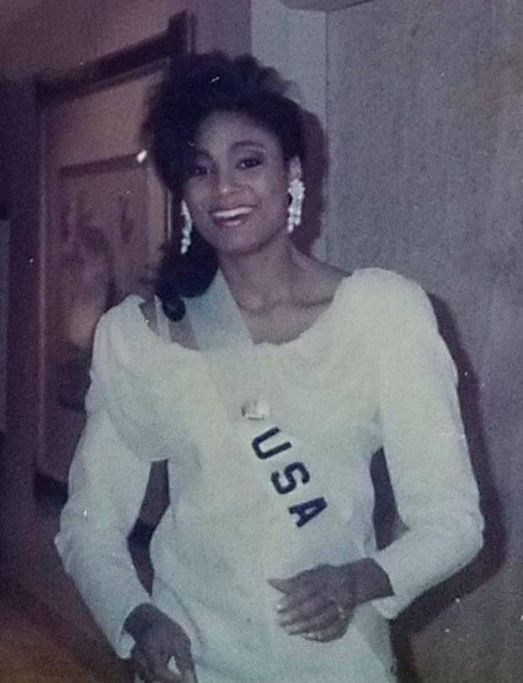 Miss U.S.A.1990 - Carol Anne Marie Gist (1st Runner Up MU90) from Michigan 20526124