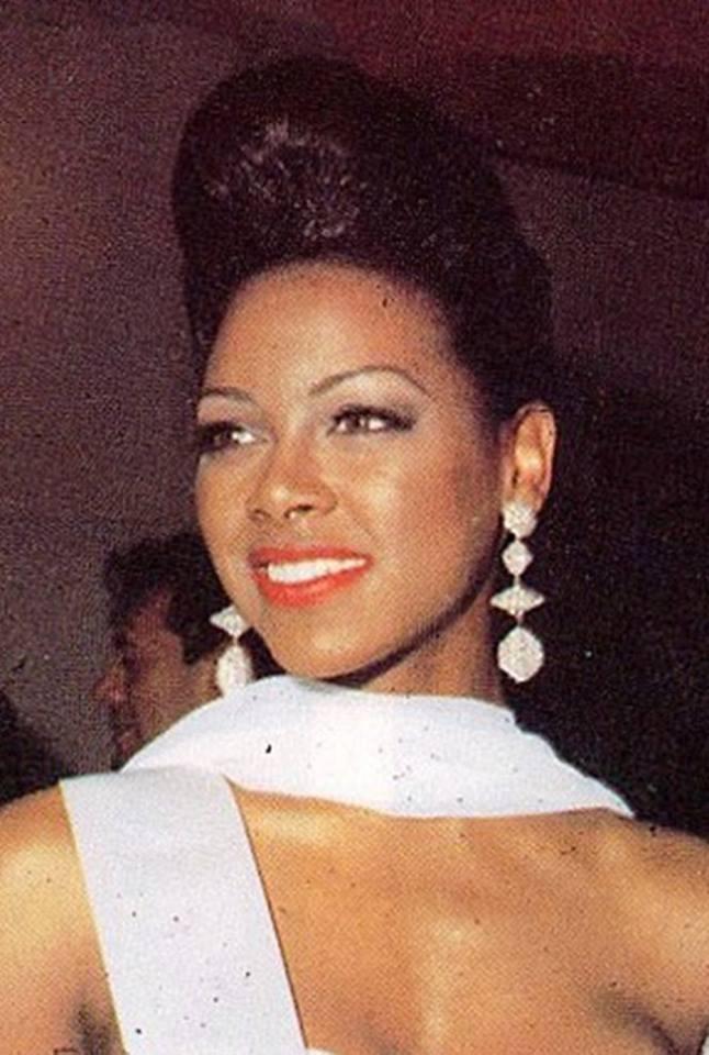 Miss USA 1993: Kenya Summer Moore (Finalist - Top 6 MU93) from Michigan 20621217