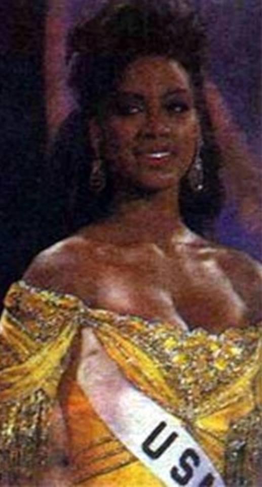 Miss USA 1993: Kenya Summer Moore (Finalist - Top 6 MU93) from Michigan 20621812