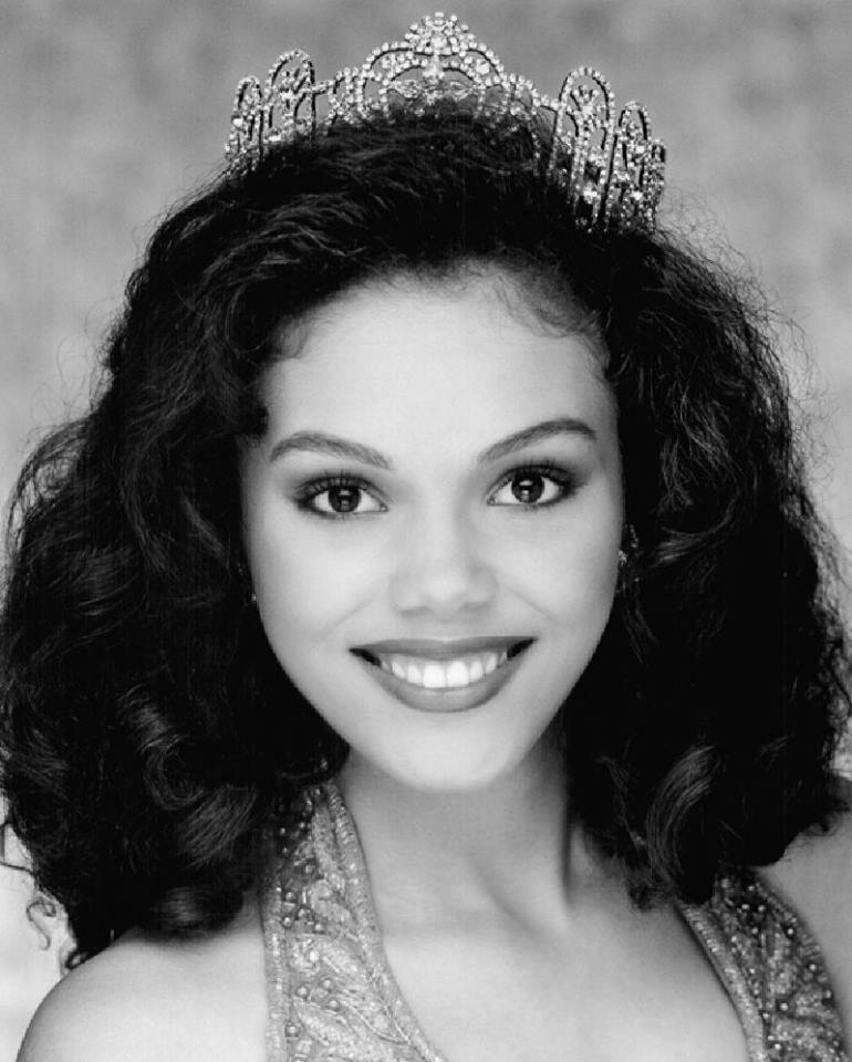 Miss USA 2000: Lynnette Cole (Top 5 Finalist MU00) from 	Tennessee 22008311