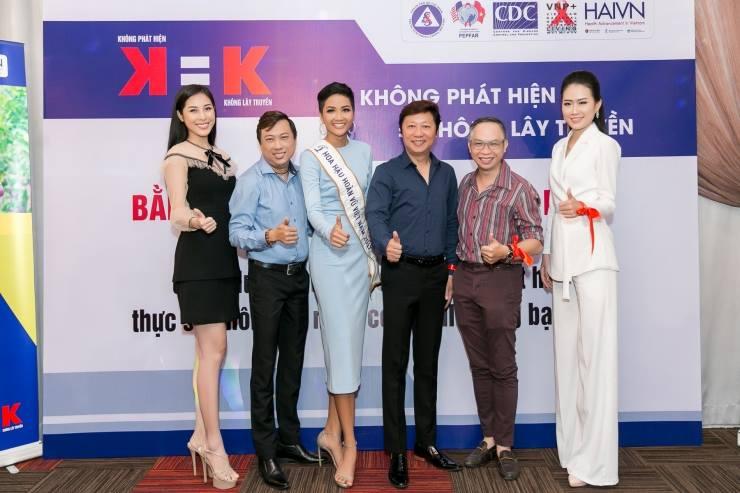 H'Hen Niê (VIETNAM 2018) - Page 3 33509510