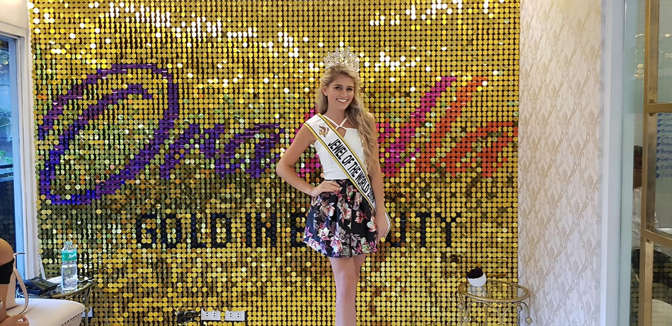 Miss Jewel of the World is South Africa 33987210