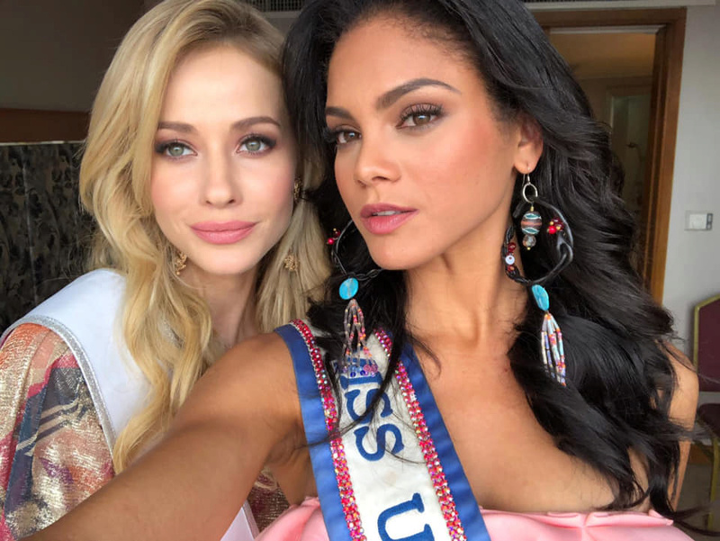 © PAGEANT MANIA © MISS UNIVERSE 2018 - OFFICIAL COVERAGE Finals - Page 23 47211810