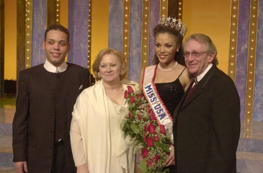 Miss USA 2000: Lynnette Cole (Top 5 Finalist MU00) from 	Tennessee Lynnet10