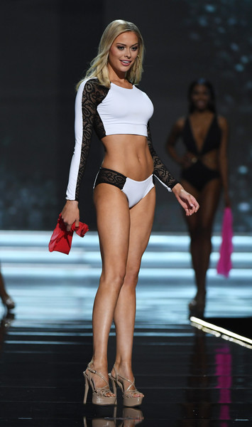 In a Swimsuit Competition What Style of Costume Do You Prefer? Meridi10