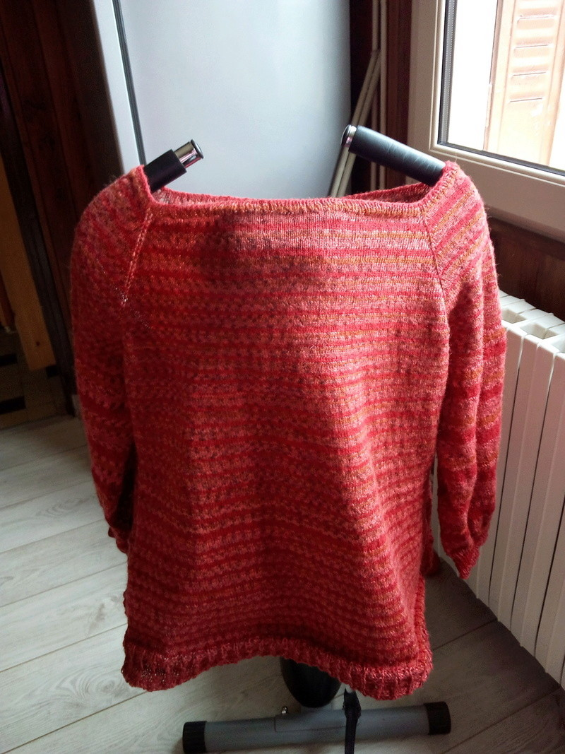 Mon pull Arc-en-ciel Img_2092