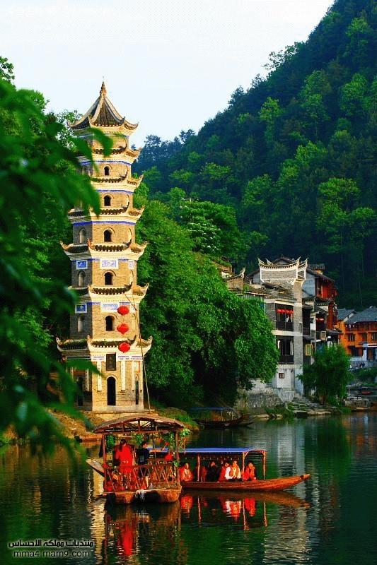 قرية صينية مثل لوحة زيتية 910