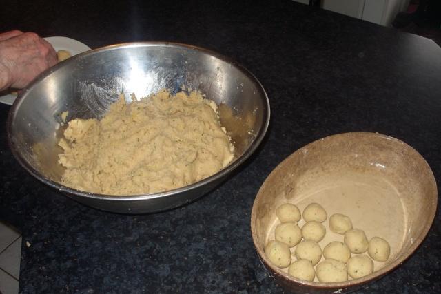 Grumbereknepfel : quenelles de pommes de terre Ss854412