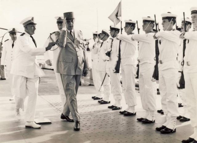 [ Les traditions dans la Marine ] LES VISITES OFFICIELLES Scan2112