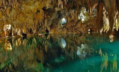 Amazing Underground Lakes 24f96f10