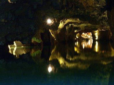 Amazing Underground Lakes 785d6c10