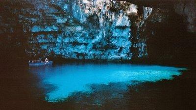 Amazing Underground Lakes B968e911