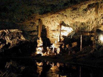 Amazing Underground Lakes F6995410