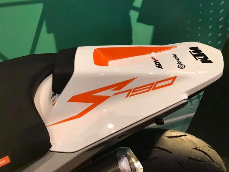 Les KTM 790 Duke du net! 47157210