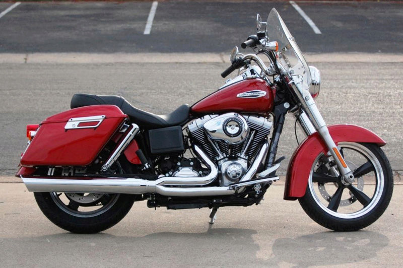Dyna SWITCHBACK combien sommes nous sur Passion-Harley - Page 11 D_and_10