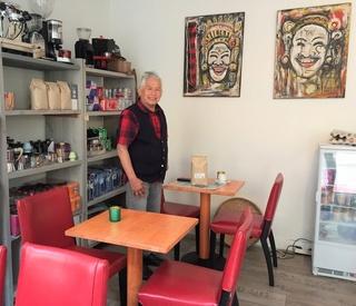 Indo Koffie Bali zit nu in de Vriesestraat en breidt uit met hapjes 1124