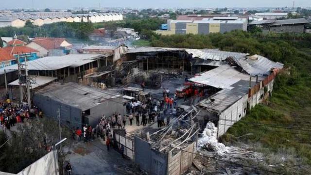 Zeker 47 doden bij ontploffing in vuurwerkfabriek Indonesië  122