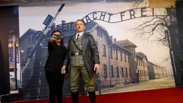 Wassen beeld Hitler uit museum Indonesië verwijderd wegens selfies 124