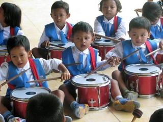 Zoon Remco zet werk van vader Ton Lange in Indonesië voort 145