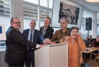 Wieteke van Dort opende expositie over 'De Lloyd en 'De Schelde' 153