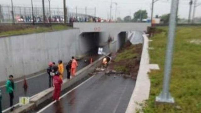 Vrouw na 13 uur gered uit onder modder bedolven auto 158